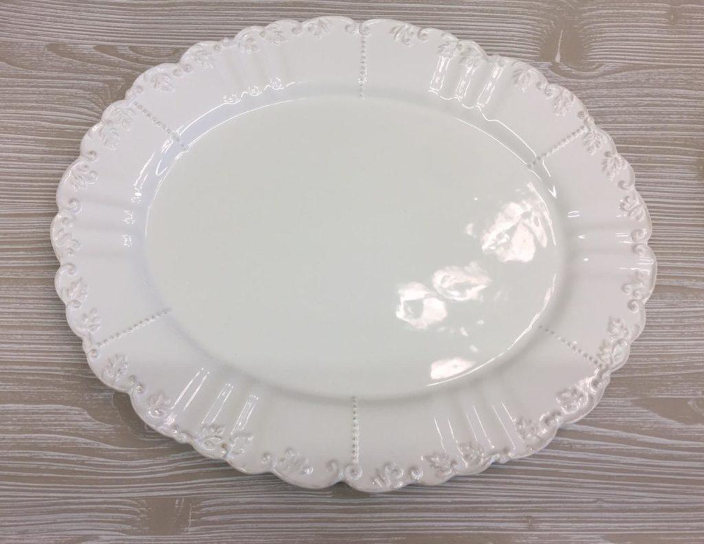Vassoio in ceramica con ricami €30